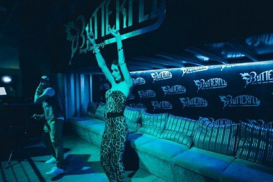 Ночной клуб севастополь баттерфляй фото девушек в ночном клубе голые
