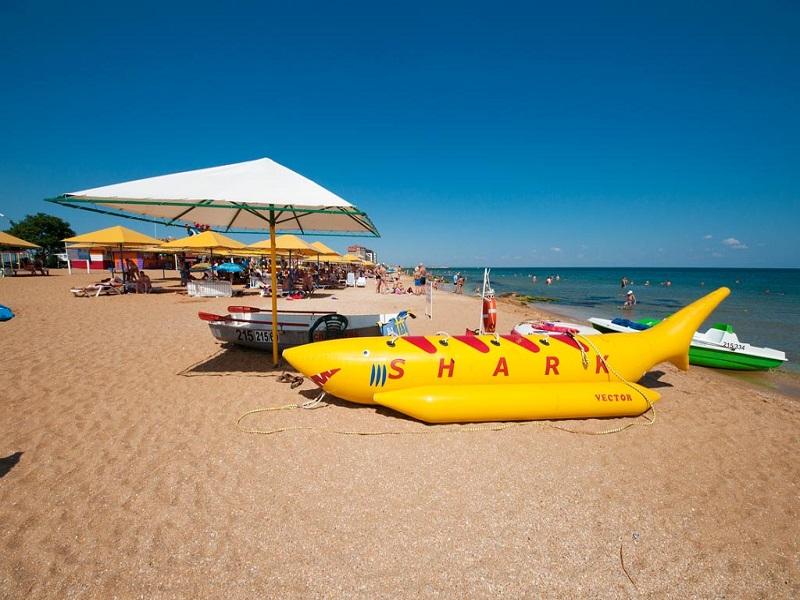 список лучших песчаных пляжей в Феодосии (Крым)